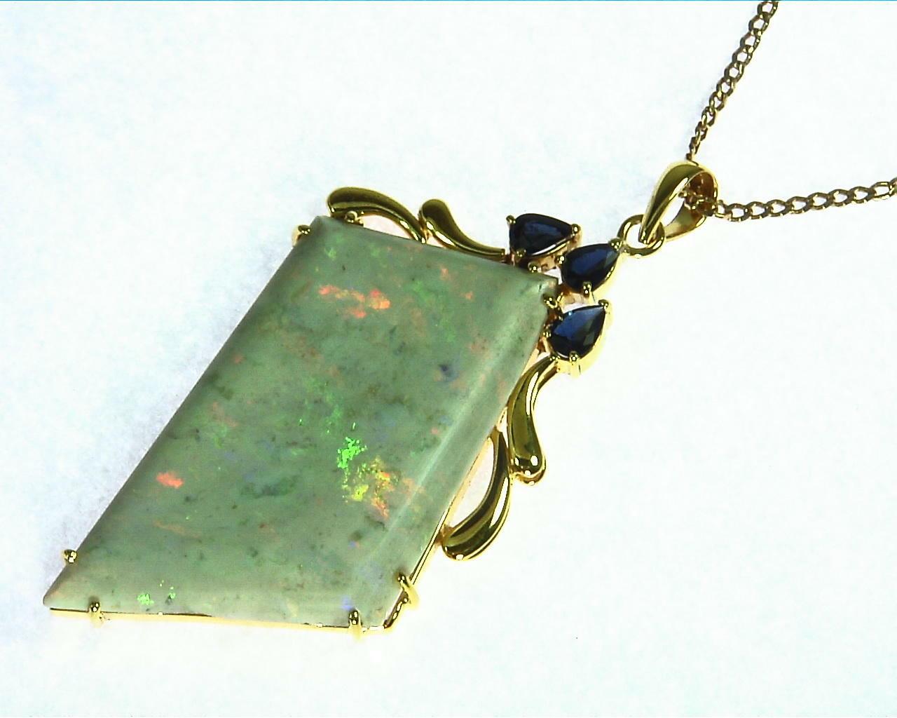 Kuperpide Australian Opal Pendant