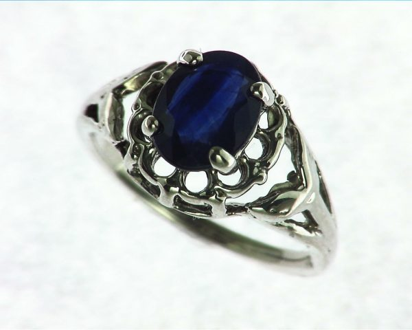 Blue Ceylon Sapphire Set in Sterling Silver Ring 3