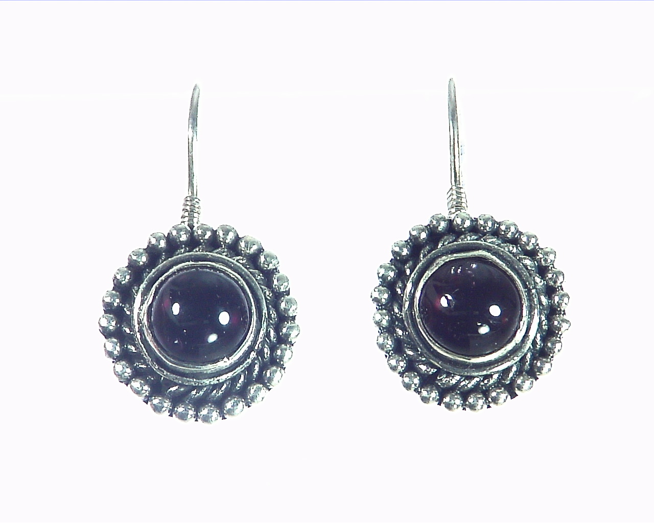 Garnet Cabasson Set in Sterling Silver Earring, 795