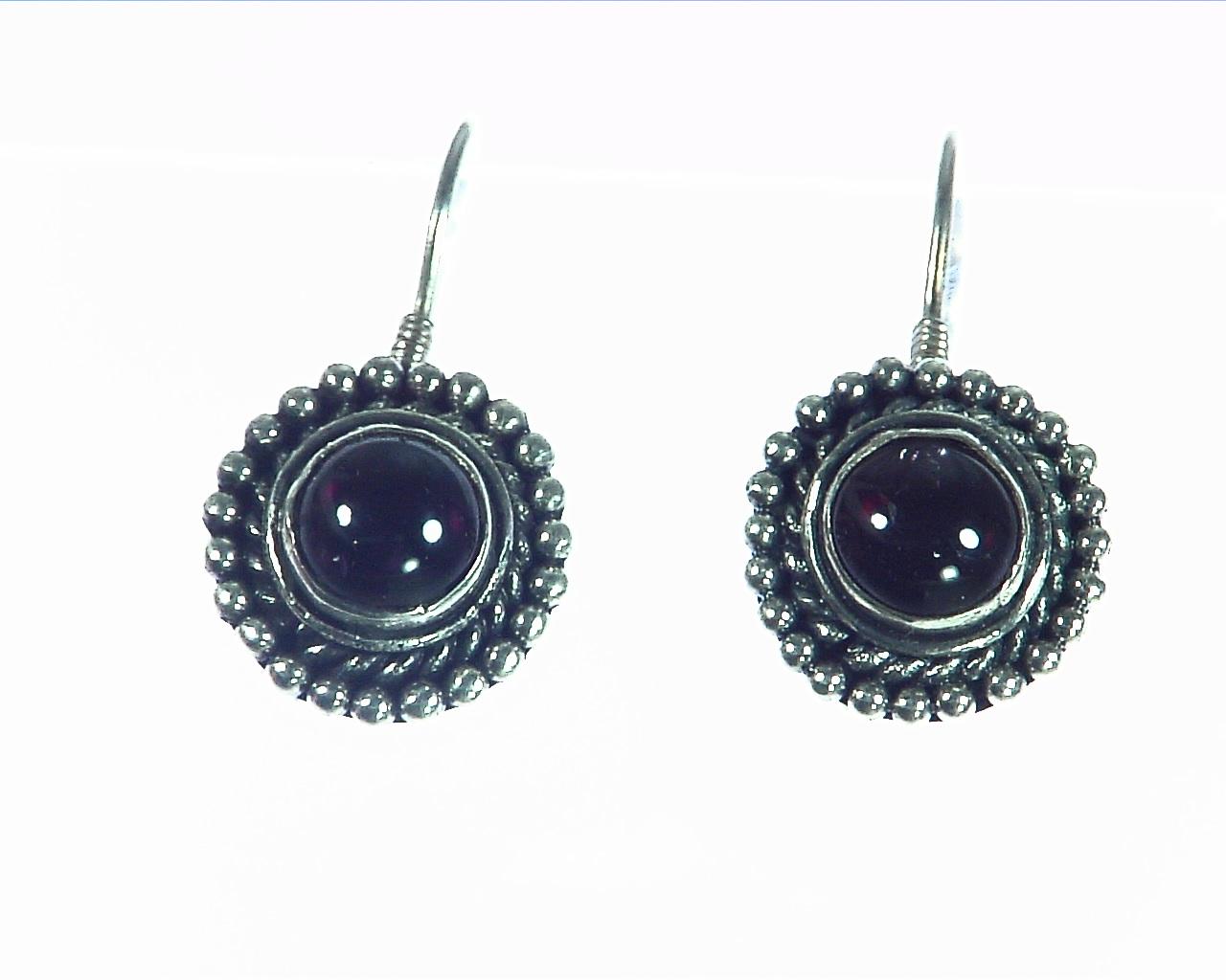 Garnet Cabasson Set in Sterling Silver Earring, 795 3