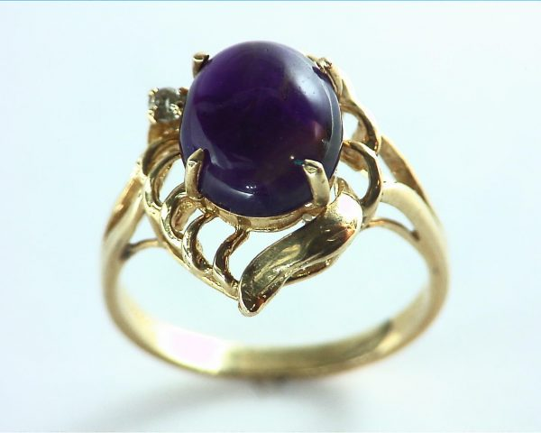 Amethyst set in a Beautiful 14 kt Yellow Gold Engagement Ring Design 5