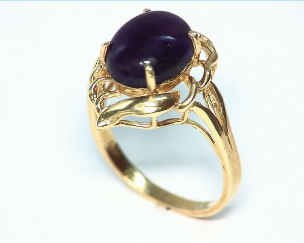 Amethyst set in a Beautiful 14 kt Yellow Gold Engagement Ring Design 4