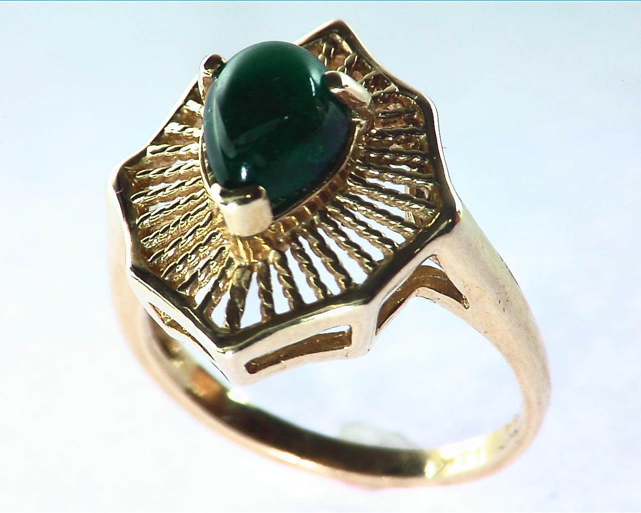 Emerald Engagement Ring in 14 kt Yellow Gold in a Beautiful Design RFK126 2