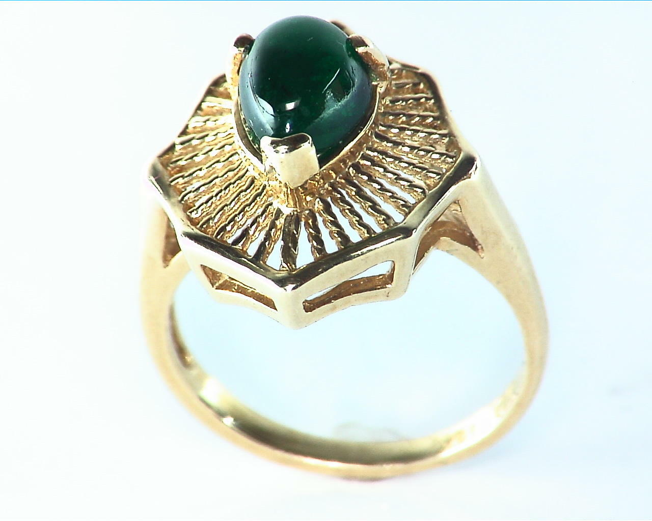 Emerald Engagement Ring in 14 kt Yellow Gold in a Beautiful Design RFK126 4