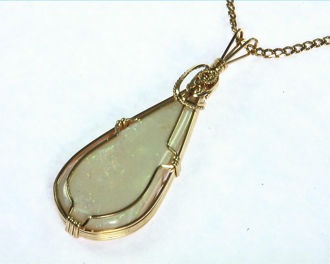 Opal (Australian) Yellow Gold Pendent 6