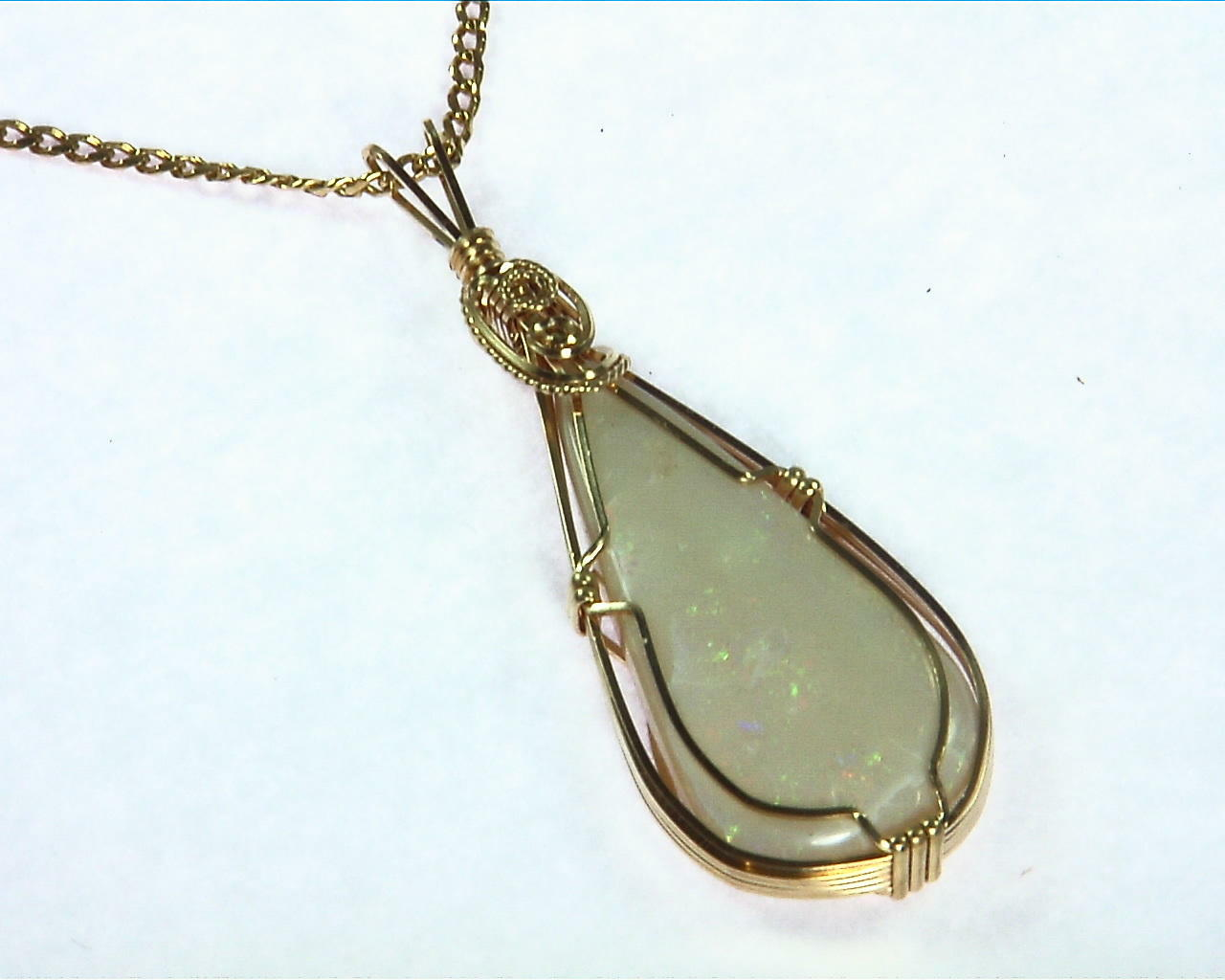 Opal (Australian) Yellow Gold Pendent 5