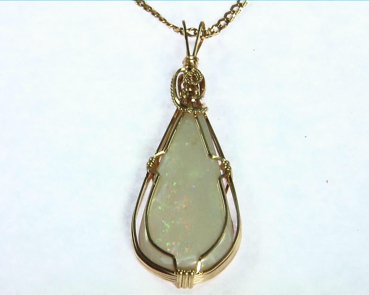 Opal (Australian) Yellow Gold Pendent 4