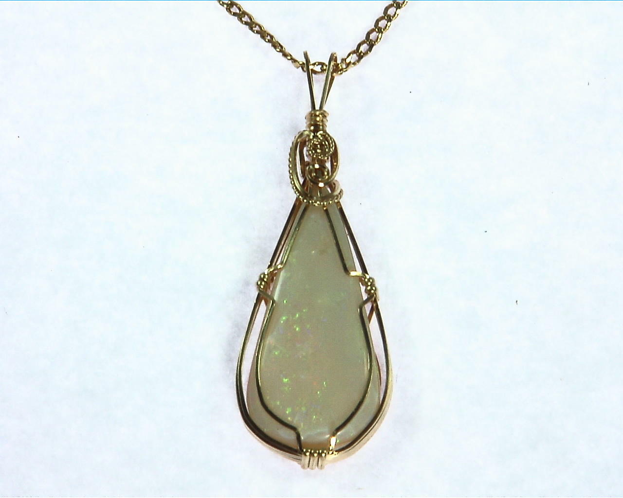 Opal (Australian) Yellow Gold Pendent 1