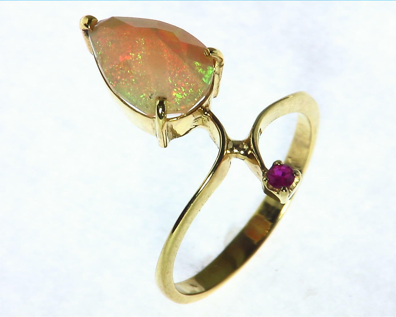Opal Natural Genuine Gemstone set in 14kt yellow Gold Lady,s Ring RFK,290 6
