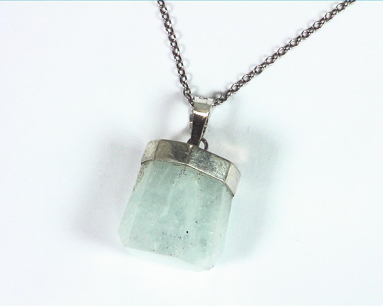 Aquamarine Natural Genuine Crystal sterling Silver Pendent PSS,922