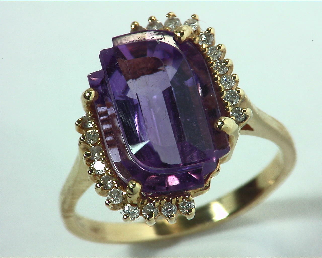 Amethyst Gold and Diamond Ring RFK,302 2