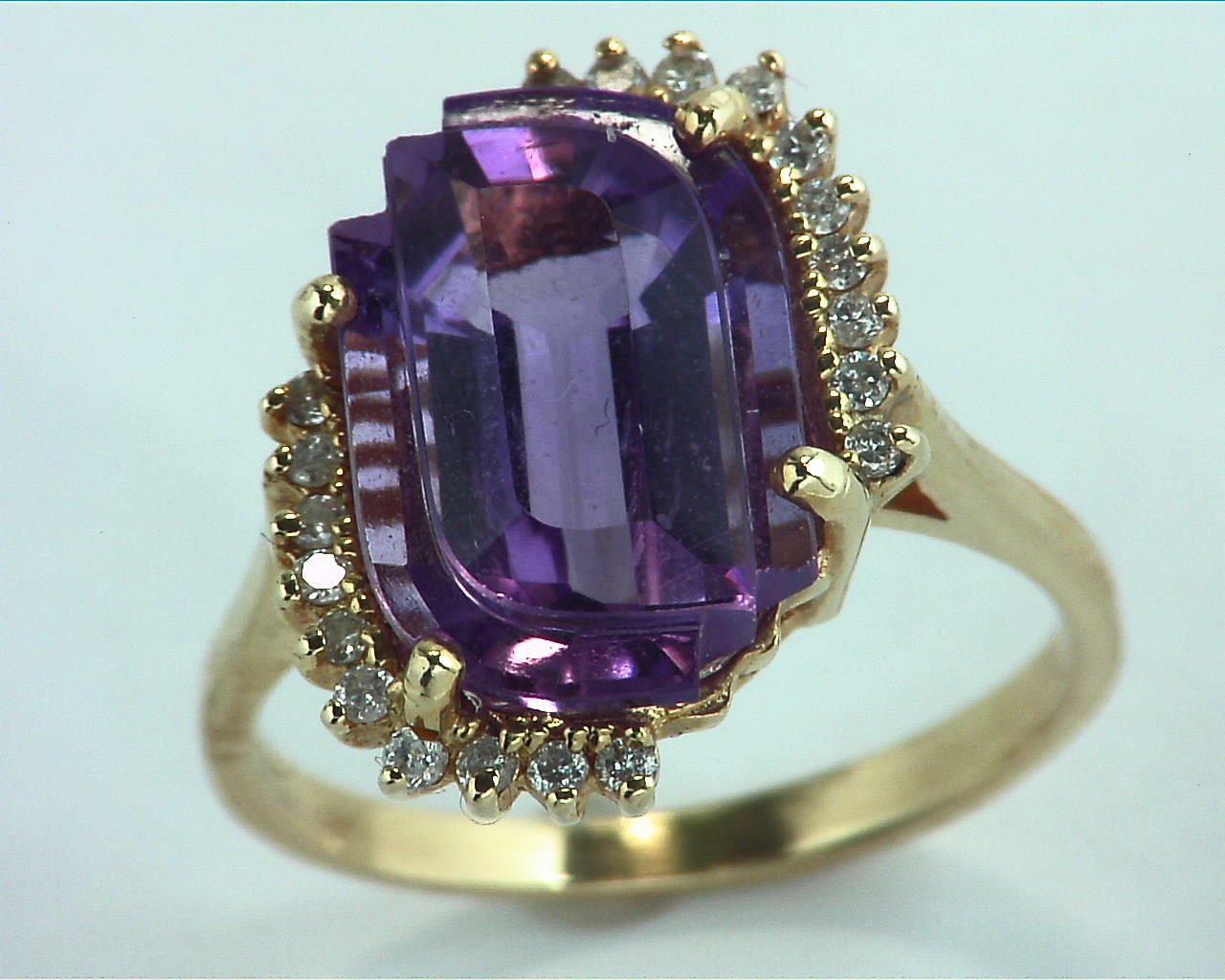 Amethyst Gold and Diamond Ring RFK,302 3
