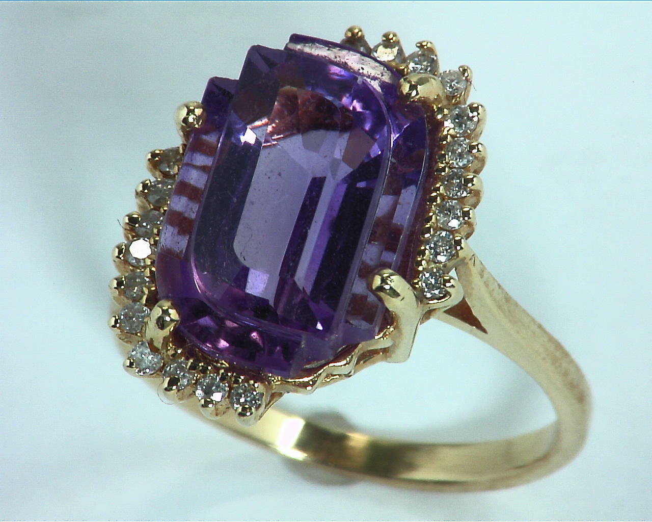 Amethyst Gold and Diamond Ring RFK,302 4