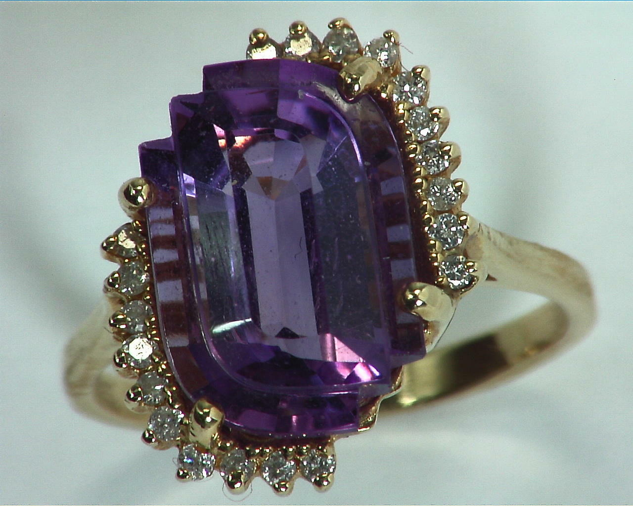 Amethyst Gold and Diamond Ring RFK,302 5