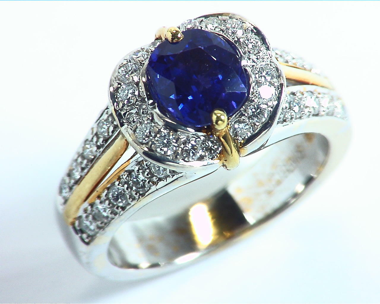 Blue Ceylon Sapphires Engagement Ring 18kt Lady,s Ring RFK,303