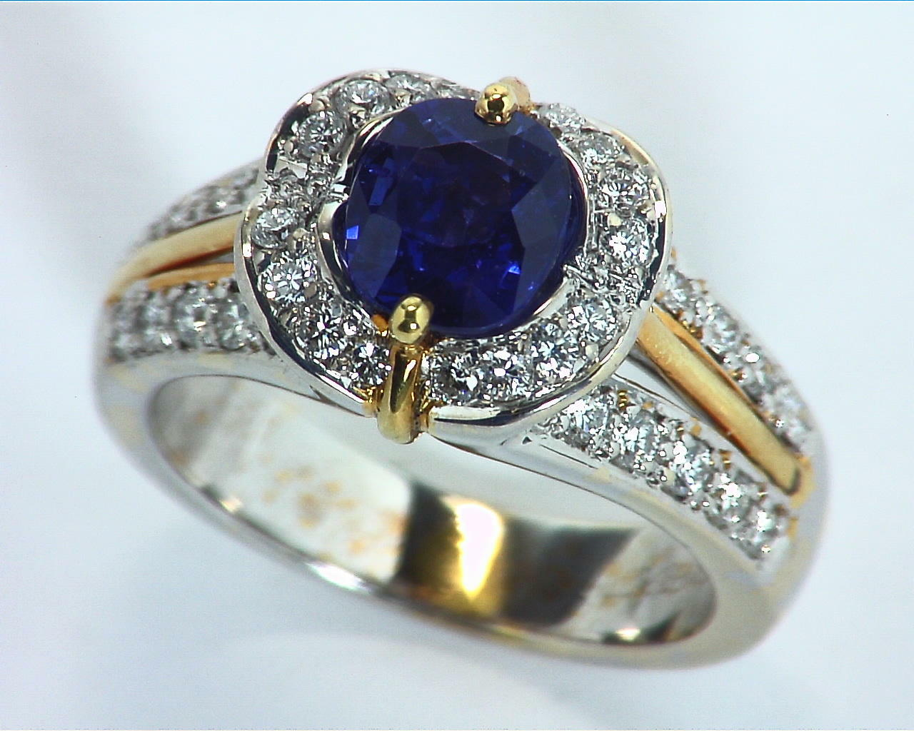 Blue Ceylon Sapphires Engagement Ring 18kt Lady,s Ring RFK,303 3