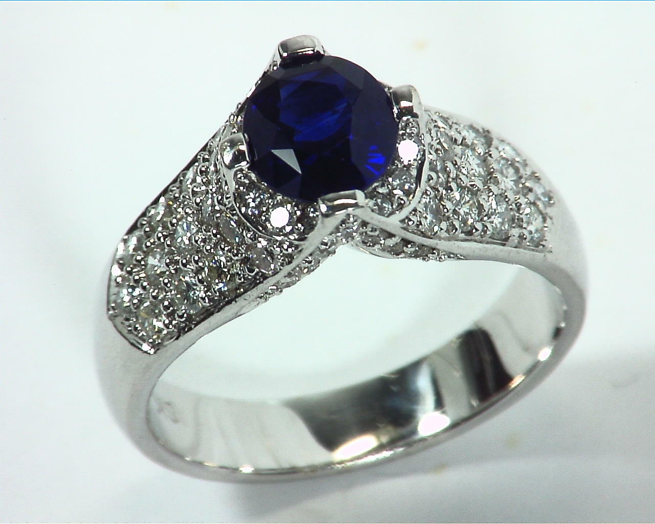 Blue Ceylon Sapphires Engagement Ring 18kt Lady,s Ring RFK,312 3