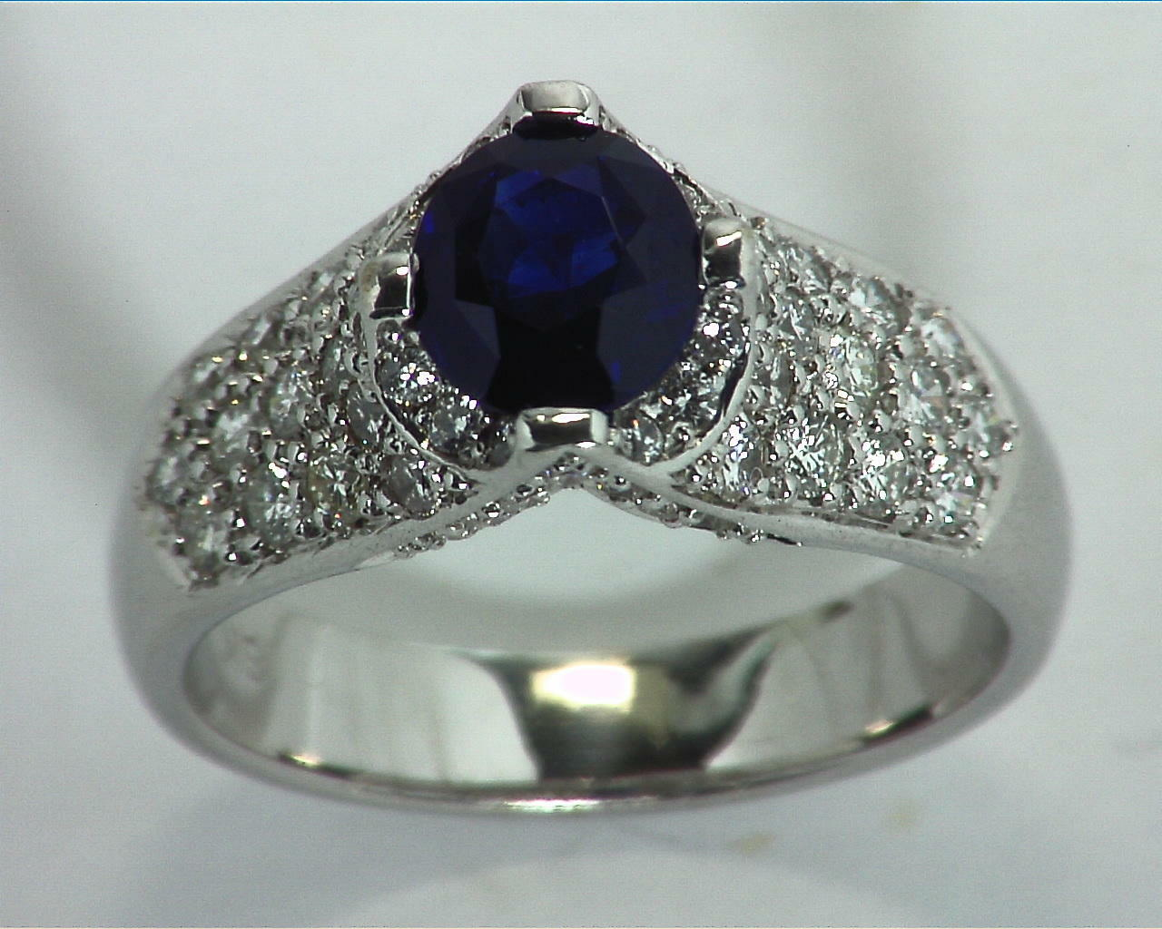 Blue Ceylon Sapphires Engagement Ring 18kt Lady,s Ring RFK,312 4