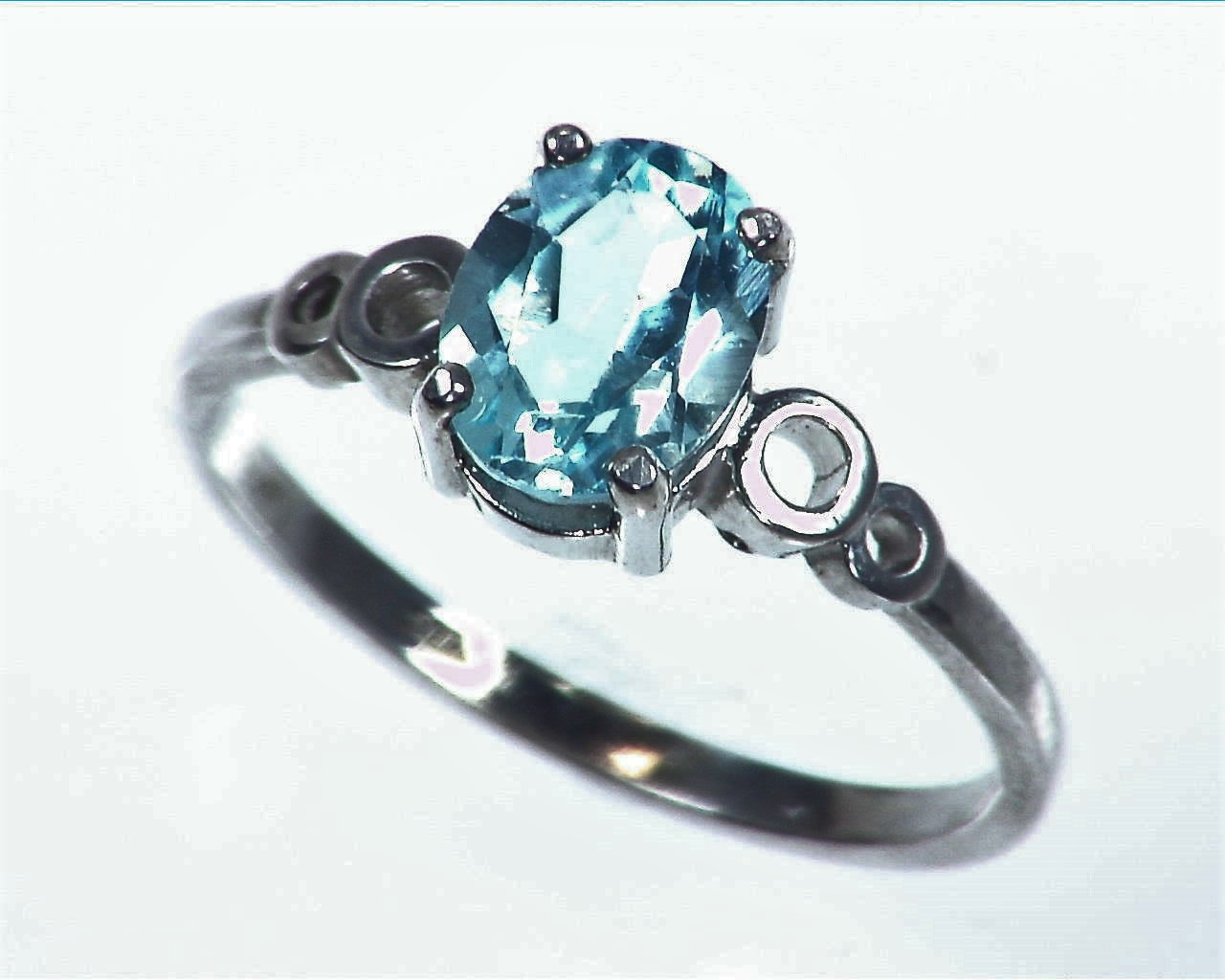 Aquamarine Sterling Silver Lady,s Ring RSS1046