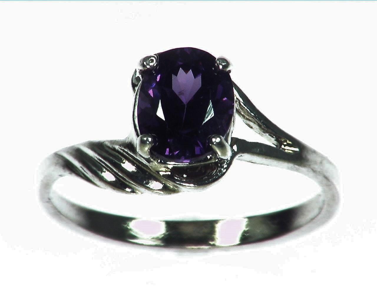 Amethyst Genuine Gemstone set in sterling silver Lady,s ring RSS1073
