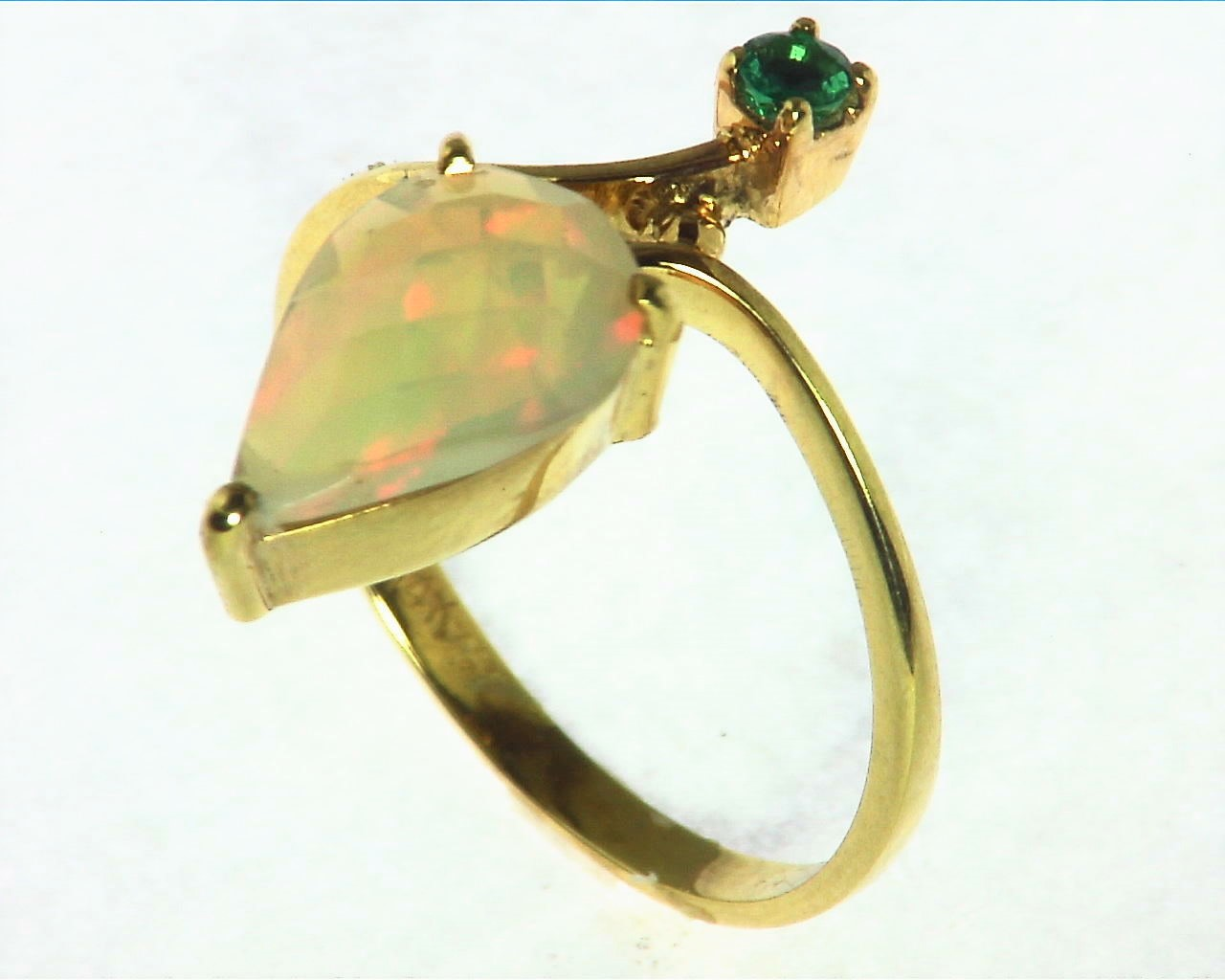 Opal Natural Genuine Gemstone set in 14kt yellow Gold Lady,s Ring RFK,293